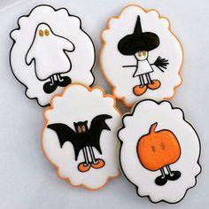 Super cute ghost, witch, bat and pumpkin Fall Cookies, Iced Cookies, Cute Cookies, Holiday Cookies, Cupcake Cookies, Cupcakes, Halloween Cookies Decorated, Halloween Sugar Cookies, Halloween Cakes