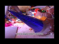 Elaboración de piñatas creatividad mexicana. Making Pinatas, Mexican Tradition for Las Posadas.