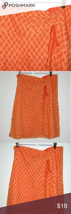 Calvin Klein cotton silk skirt sz 14 Two tone orange pattern Very light fabric Cute little ruching detail front Calvin Klein Skirts Midi