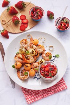 Sommerliche Grill-Idee: Shrimps-Spieße mit Melone | http://eatsmarter.de/rezepte/shrimps-spiesse-mit-melone