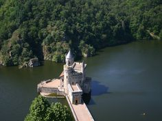 The caslte de la Roche -  Roanne, France