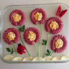 sosis çiçek kahvaltı tabağı