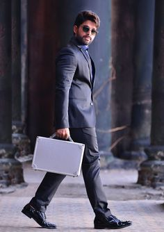 Allu Arjun Latest HD Wallpapers and Latest HD Images Prabhas Pics, Photos Hd, Actors Images, Hd Images, Allu Arjun Hairstyle, Dj Movie, Allu Arjun Wallpapers, Allu Arjun Images, Galaxy Pictures