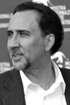 https://static.maximumwallhd.com/ru/pictures/men/116153-american-actor-charming-nicolas-cage-black-and-white-profile-277x415.jpg