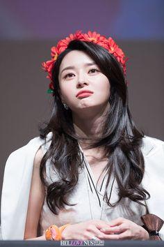 Nara, Korean Actresses, Korean Actors, Kim Seol Hyun, Portrait Poses, Korean Artist, Girl Bands, Korean Celebrities, Korean Women