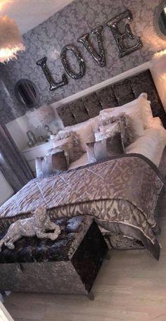 47 very beautiful and comfortable bedroom decor ideas 42 - Diy Decoration Glam Bedroom, Teen Bedroom, Home Decor Bedroom, Master Bedroom, Diy Bedroom, Silver Bedroom Decor, Bedroom 2018, Bedroom Stuff, Budget Bedroom