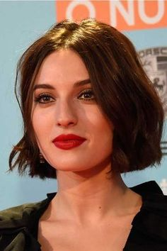 Really Adorable French Style Short Haircuts - The UnderCut Really Adorable French Style Short Haircuts. Today we bring to you, cute french style short haircuts! If you love vintage style and classy also adorable Short Bob Hairstyles, Pretty Hairstyles, French Hairstyles, Haircut Short, Pixie Haircuts, Sexy Bob Haircut, Medium Short Haircuts, 2018 Haircuts, Short Bobs