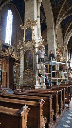 Ołtarz boczny z bazyliki katedralnej pw. bł. Wincentego Kadłubka, Patrona Diecezji Sandomierskiej i Miasta Sandomierz, wykonany przez wybitnego rzeźbiarza Macieja Polejowskiego w latach 1772-74, po dokonanej konserwacji w pracowni Eweliny i Macieja Gruszczyńskich w Rzeszowie, powrócił do katedry w dniu 25 września 2014 r. W centralnym polu nastawy ołtarza jest umieszczony obraz przedstawiający bł. Wincentego, a w górnej części ołtarza obraz z wizerunkiem bł. Czesława. Konserwacja ołtarza… Fair Grounds