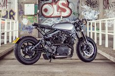 Having owned Viragos ourselves, we know all too well that customising them without treading on anyone's toes can be a tricky endeavour. Cafe Racer Tv, Virago Cafe Racer, Motos Yamaha, Yamaha Motorcycles, Motorcycle Seats, Architecture Tattoo, Funny Tattoos, All Is Well, Celebration Quotes