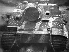 Camo pattern seen on this Sturmtiger World History, World War, Diorama, Tiger Tank, Armored Fighting Vehicle, Ww2 Tanks, Camo Patterns, Panzer, Transportation Design