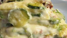 WW Cod and Zucchini Gratin - Main Course and Recipe - Gratin with cod and zucchini WW, recipe for a tasty dish gratinated with cod and zucchini, easy and - Weight Watchers Menu, Plats Weight Watchers, Healthy Family Dinners, Family Meals, Egg Recipes For Dinner, Eating Eggs, Food And Drink, Lasagna, Healthy Recipes