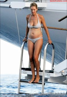Uma Thurman Hot | uma-thurman-caught-in-bikini-05