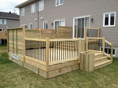 Getting The Most Out Of A Deck With Patio Designs – Pool Landscape Ideas Cool Deck, Diy Deck, Deck Stair Railing, Patio Stairs, Tiered Deck, Home Porch, Backyard Patio Designs, Backyard Decks, Deck Plans