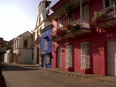 Puertas y ventanas de casas coloniales Cartagena Colombia