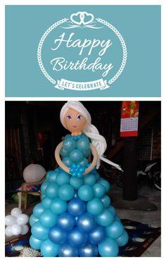 latest #Elsa balloon sculpture
