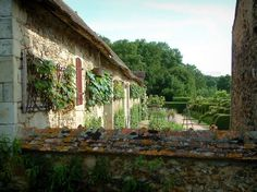 The gardens of the Notre-Dame d'Orsan priory: Ancient monastery and its garden of medieval style