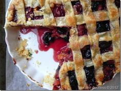 Sweet Cherry Pie is sweet cherries enveloped in a flaky butter pie crust, and then baked until golden and bubbling. This will become your new favorite pie! Make it with sweet or sour cherries. Sweet Cherry Pie, Sweet Pie, Butter Pie, Sweet Cherries, Pie Cake, Tray Bakes, Food Processor Recipes, Sweet Tooth, Pie 5