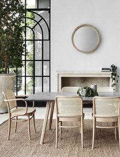 Trendy Home Architecture Exterior Natural Wood Interior Exterior, Home Interior, Modern Exterior, Interior Modern, Kitchen Interior, Dining Room Design, Dining Rooms, Dining Area, Small Dining