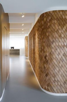 9 stunning timber feature walls you need to see now. Image via CR Decoration. Design Commercial, Commercial Interiors, Interior Walls, Interior And Exterior, Interior Modern, Architecture Details, Interior Architecture, Timber Feature Wall, Feature Walls