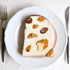 buns and breads art toast Breakfast Dessert, Dessert Drinks, Pastry And Bakery, Cute Desserts, Cafe Food, Aesthetic Food, Food Design, Food Photo, Food Pictures