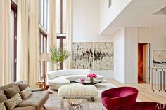 Annabelle Selldorf brings a modern, airy feel to an art dealer's New York townhouse From Claude Monet to Ai Weiwei, a diverse selection of arresting artworks enlivens a Manhattan duplex by ODA-ArchitectureArchitect Steven Harris and interior designer Lucien Rees Roberts design their dream apartment