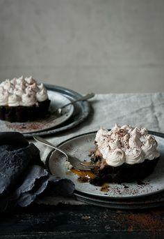 Chocolate Banoffee Pies via Katie Quinn Davies #recipe