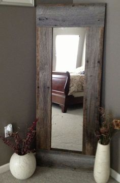Full Length Barn Wood Mirror For hallway DIY with cheap mirror and repurposed wood - 40 Rustic Home Decor Ideas You Can Build Yourself - Page 7 of 9 - DIY Crafts Barn Wood Mirror, Pallet Mirror, Rustic Mirrors, Barn Wood Decor, Barn Wood Headboard, Headboard Ideas, Barn Wood Shelves, Rustic Headboard Diy, Barn Wood Bathroom