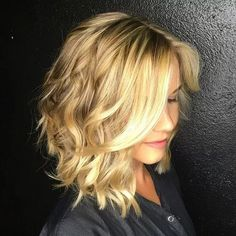 48 short bob hairstyles for women over 40 in 2019 19 bettysmith.fashio - 48 short bob hairstyles for women over 40 in 2019 19 bettysmith. Medium Layered Haircuts, Wavy Bob Hairstyles, Medium Hair Cuts, Medium Hair Styles, Short Hair Styles, Long Angled Haircut, Wavy Bob Long, Haircut Long, Haircut Medium
