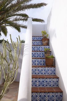 Jade Jagger's Bohemian Home on Formentera Spanish Style Homes, Spanish House, Spanish Style Interiors, Jade Jagger, Exterior Design, Interior And Exterior, Exterior Signage, Garden Design, House Design