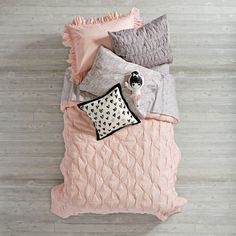 Pink Modern Chic Duvet Cover (Twin) | The Land of Nod