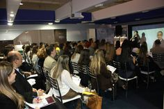 Olivia Lobell - Giving a Mini Workshop I gave in Brazil. http://authenticbizsuccess.com  Olivia Lobell dando seu Pequeno Workshop no Brazil http://olivialobell.com - Website em Portugues