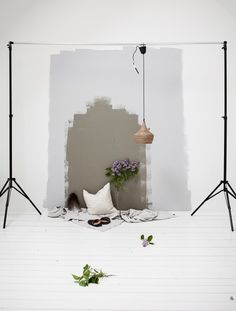 A styling mess in my studio . Snapshot by Daniella Witte Photography Lessons, Still Life Photography, Photo Zone, Instagram Wall, Video Backdrops, Workshop Studio, Photographic Studio, Minimalist Decor, Beautiful Space
