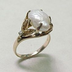 Vintage Natural Baroque Pearl Ring 10k Yellow Gold