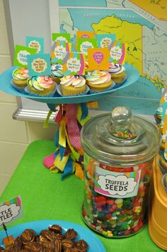 Tammy M's Staff Appreciation / Oh! The Places You'll Go - Photo Gallery at Catch My Party Pre K Graduation, Graduation Theme, Kindergarten Graduation, Graduation Ideas, Teacher Retirement Parties, Grad Parties, 1st Birthday Parties, Birthday Ideas, End Of Year Party