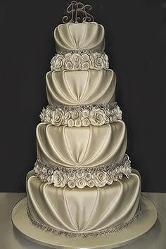 elegant wedding cake...stunning!!