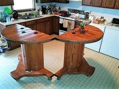 Consider increasing the counter top space in your kitchen. It is easy and awesomely valuable to enhance the space. use these wooden spool counter tops to be joined together to form an amazing table. The base of the table has wheels to make it as per requirement and join it together. We swere, this idea is aur favorite.