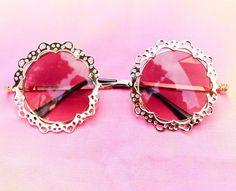 Round Retro Lace Sunglasses - Gold - Izzy California