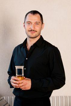 """L'attore Claudio Santamaria vincitore del Premio Speciale Monini """"Una Finestra sui Due Mondi"""" 2011"""