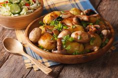 Φίλε χορτοφάγε αυτή η ζεστή σαλάτα είναι για εσένα - http://ipop.gr/sintages/salates/file-chortofage-afti-i-zesti-salata-ine-gia-esena/