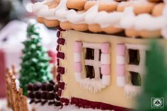 Awesome giant Gingerbread House - with inside lighting, two fully furnished floors and backyard. FREE TEMPLATE and TUTORIAL Polish Cookies, Nail Polish Art, Gingerbread, Floors, Backyard, Templates, Lighting, Holiday Decor, Awesome