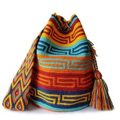 This double thread mochila bag is perfect for carrying around day to day items without weighing yourself down.This beautiful, one-of-a-kind bag was carefully made using a double thread technique for the body. Vivid Colors, Knitted Hats, Knit Crochet, Beanie, Knitting, Beautiful, Fashion, Red, Amigurumi