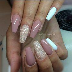 Rose white nails