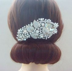 Awesome Elegant Hairstyle for the Prom – A Simple Bun