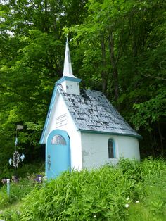Lovely little roadside chapel on the way to Montmorency Falls, Quebec