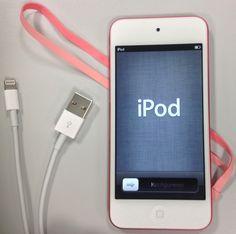 Conhece os novos iPods, o Nano de 7ª e o Touch de 5ª geração? Eles estão disponíveis no Brasil, e esta matéria dá uma ótima visão de suas características. Se algumas coisas melhoraram bastante, outras ainda podem deixar a compra dos novos modelos pouco atraente. Confira os detalhes no G1 Tecnologia, por Cauê Fabiano.