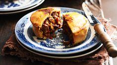 Beef shiraz pies