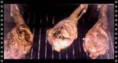 Hoy os traemos el Making Off de uno de nuestro grandes éxitos, la Pierna de cordero lechal al carbón. ¿A qué te ha entrado hambre? jeje
