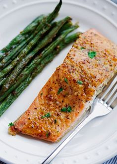 One Sheet Pan Honey Mustard Salmon with Green Beans One pan recipe for honey mustard salmon with green beans. This recipe is quick and easy to pull together with few ingredients and requires just 1 sheet pan! Salmon In Foil Recipes, Fish Recipes, Seafood Recipes, Chicken Recipes, Healthy Recipes, Salmon Foil, Dinner Recipes, Healthy Cooking, Healthy Foods