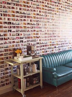 Le mur rempli de photos