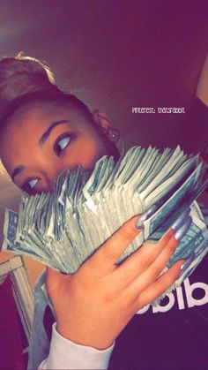 The money in quantity. Mo Money, How To Get Money, Cash Money, Money Girl, Money Lei, Flipagram Instagram, Thug Girl, Money On My Mind, Money Pictures